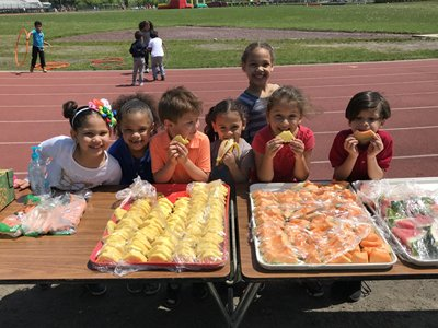 Kids Eating Fruit